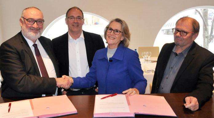 La Capeb et Watts, société qui offre une gamme de solutions innovantes dans le domaine de l'eau, du chauffage et de la climatisation, ont signé le 28 février un partenariat afin d'accompagner les plombiers-chauffagistes en leur fournissant des solutions plus performantes et plus saines.
